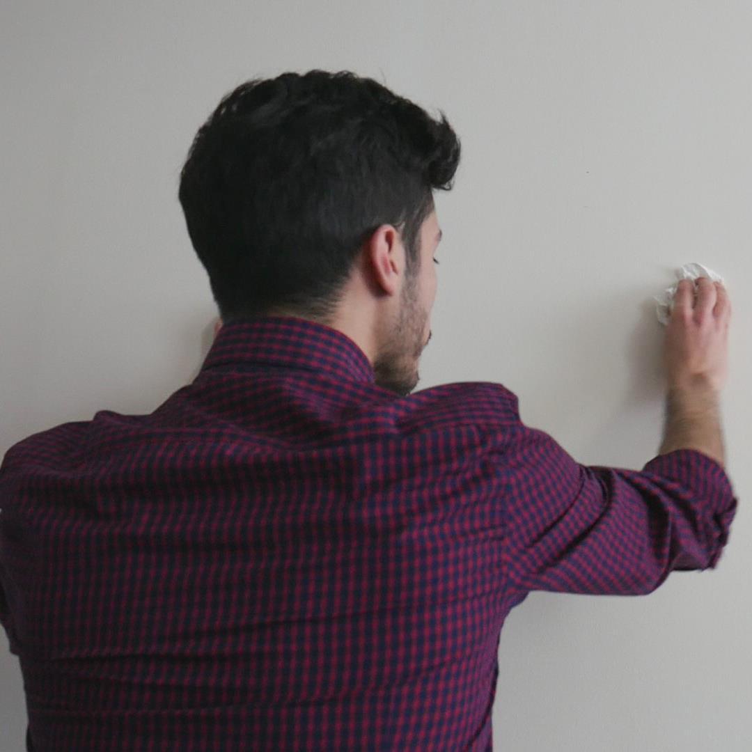 applicare adesivi murali