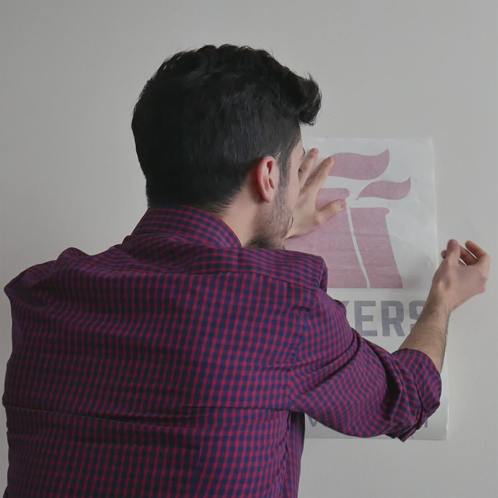 come applicare gli adesivi murali